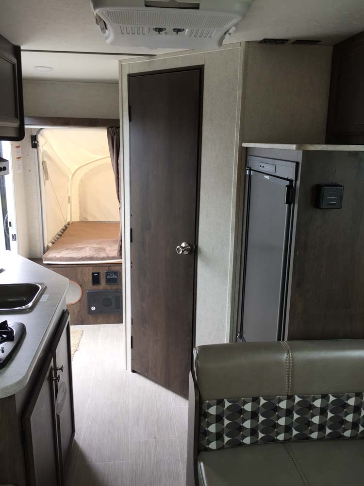 Shadow Cruiser Rv >> 2018 Starcraft Launch Outfitter 16RB Hybrid | Exit One RV ...